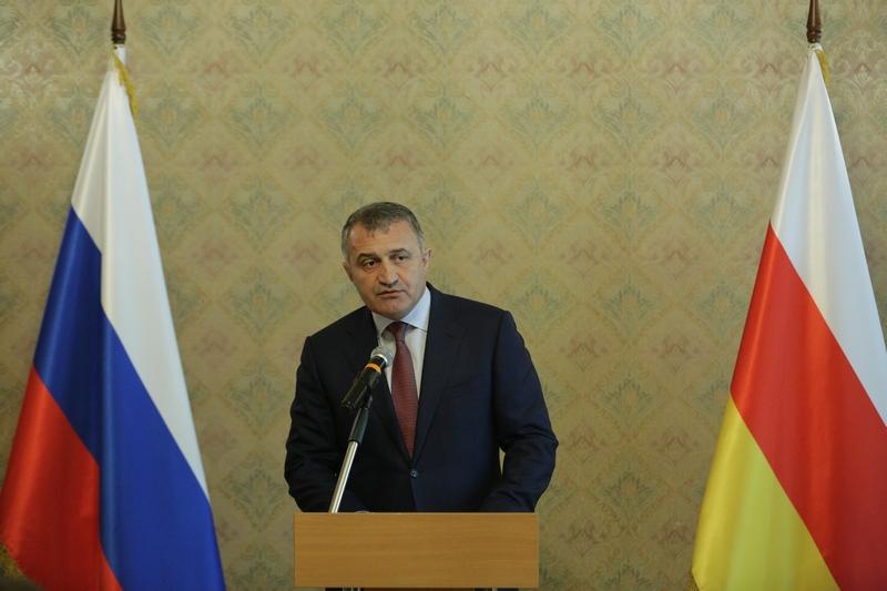 Анатолий Бибилов: «Южная Осетия никогда не забудет великий подвиг российского солдата»