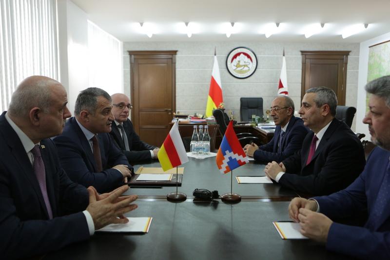 Встреча с Министром иностранных дел Республики Арцах Масисом Маиляном