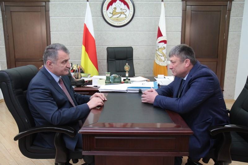 Анатолий Бибилов назначил на должность Главы Цхинвальского района Вахтанга Мамитова