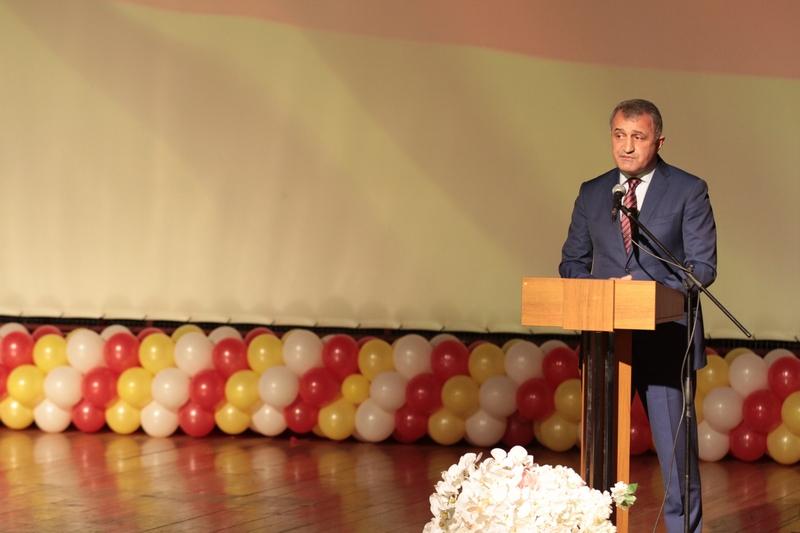 Анатолий Бибилов принял участие в праздновании 25-летия ГТРК «Ир»