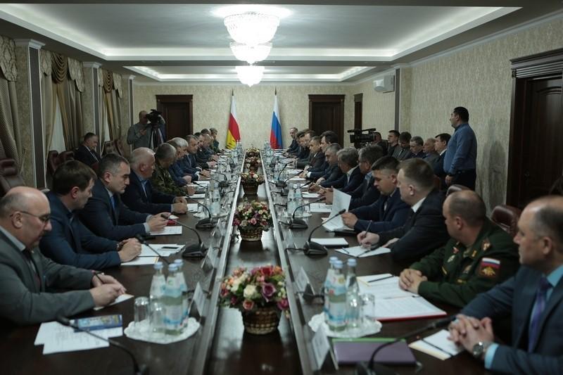 Совещание по вопросам безопасности и социально-экономического развития Республики Южная Осетия