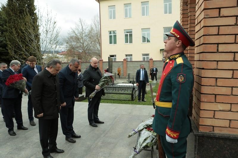Анатолий Бибилов и Виталий Мутко почтили память жертв грузинской агрессии