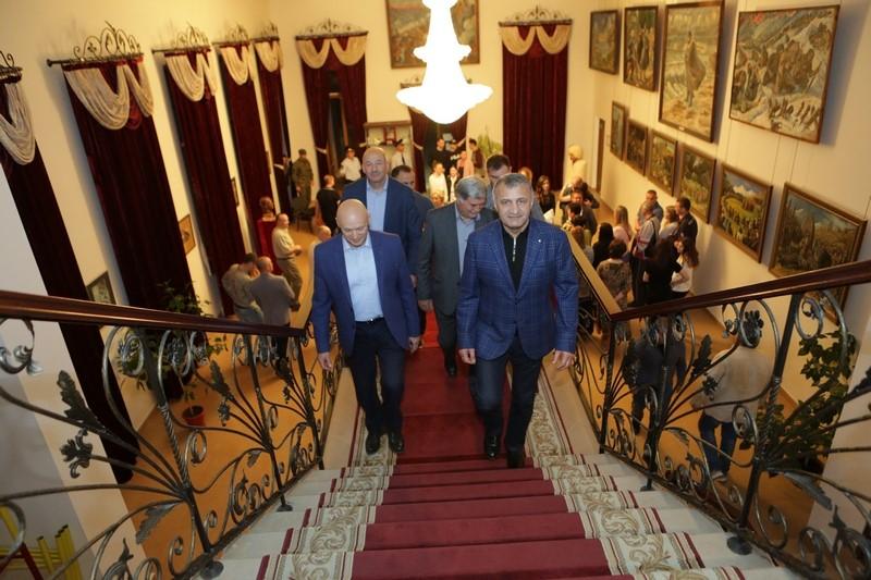 Анатолий Бибилов принял участие в международной акции «Ночь музеев»