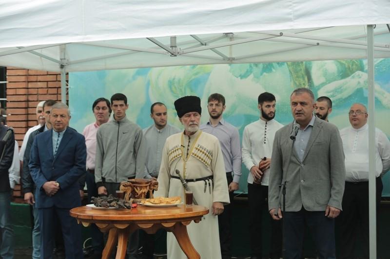 Анатолий Бибилов принял участие в праздновании Дня Хетага