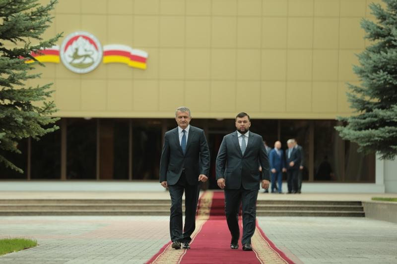 Официальный визит главы ДНР в РЮО завершился