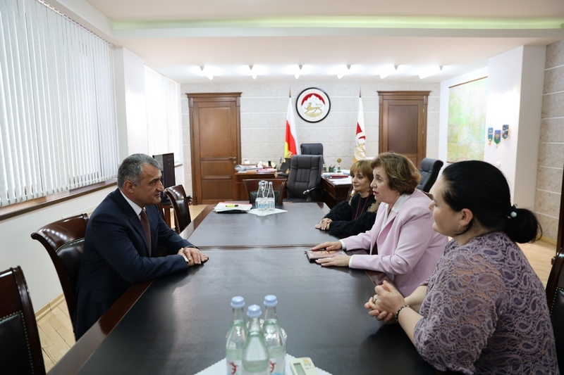 Встреча с кандидатами наук Натальей Жуйковой И Гульнарой Козаевой