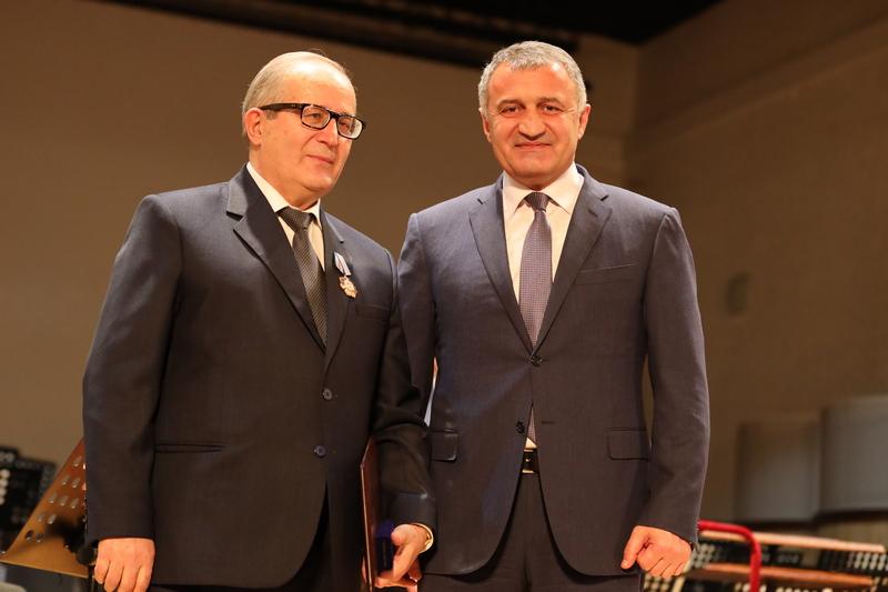 Анатолий Бибилов принял участие в торжествах по случаю 25-летия ВНЦ РАН