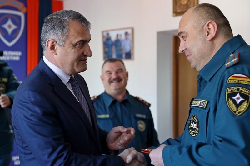 Анатолий Бибилов присвоил специальное звание «Полковник внутренней службы» Таймуразу Габараеву