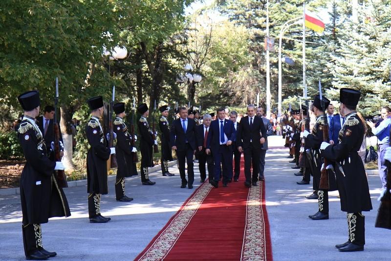 Встреча с Главой Донецкой Народной Республики Александром Захарченко (часть I)