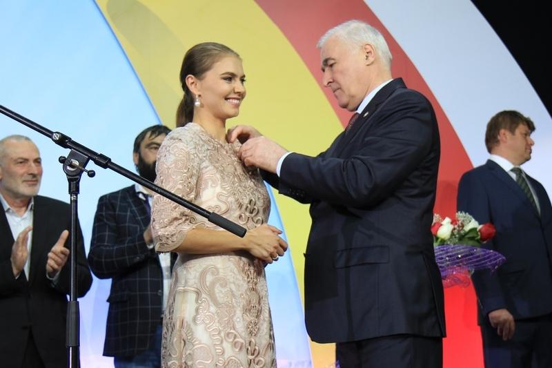 Церемония открытия Дворца спорта «Олимп», построенного под патронатом Благотворительного фонда Алины Кабаевой (часть III)