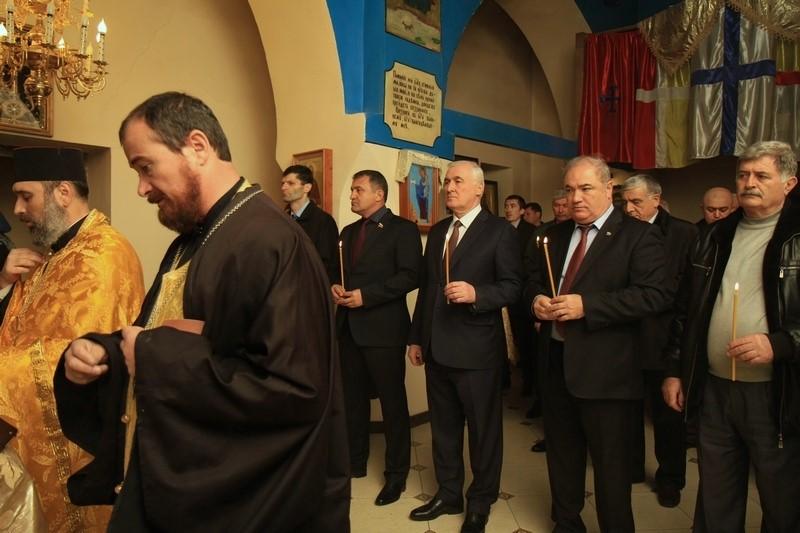 Заупокойный молебен по жертвам авиакатастрофы над Египтом