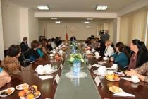 1. Встреча с многодетными матерями и матерями защитников Отечества