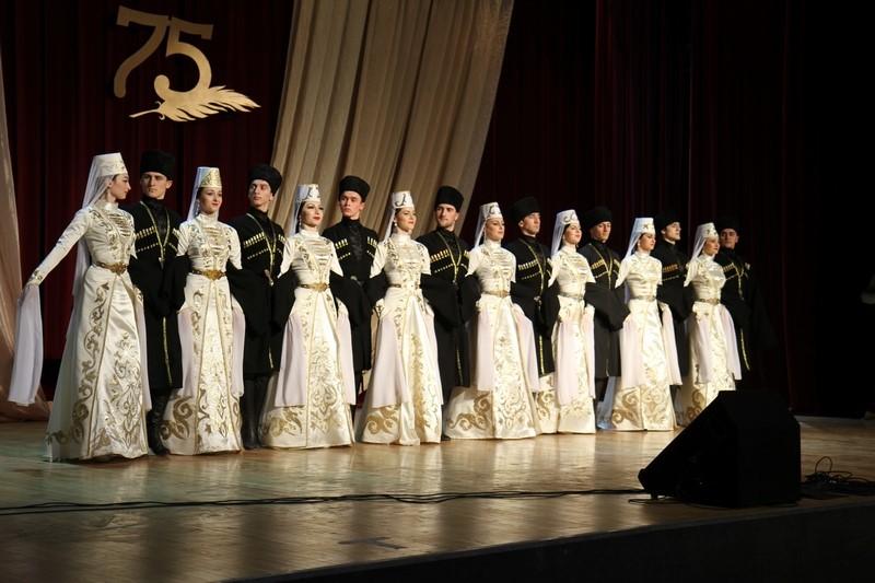 Юбилейный вечер сопредседателя Союза писателей Осетии Камала Ходова