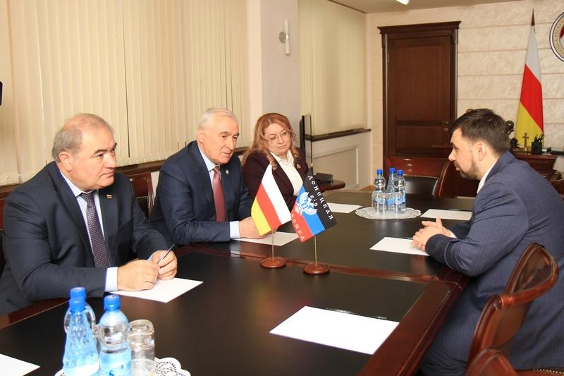 Встречи с делегациями, прибывшими в Цхинвал по случаю празднования 25-летия образования Парламента Республики Южная Осетия (часть I)