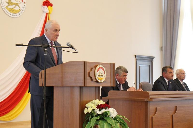 Торжественное заседание, посвященное 25-летию парламентаризма Республики Южная Осетия (часть III)