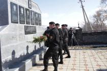 2. Церемония возложения венков и цветов к памятникам сотрудникам ОМОН МВД, погибшим в ходе отражения грузинской агрессии с 1992 по 2008 годы