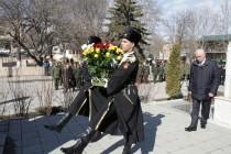 3. Церемония возложения венков и цветов к памятникам защитникам Отечества (часть I)