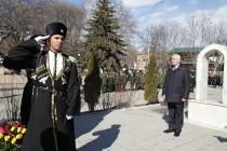 5. Церемония возложения венков и цветов к памятникам защитникам Отечества (часть I)