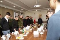 6. Встреча с отличниками боевой и политической подготовки