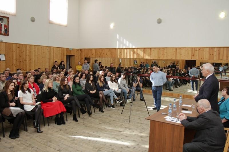 Леонид Тибилов: «Стабильность, сплоченность и патриотизм являются залогом развития нашей страны»