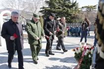 7. Церемония возложения венков и цветов к памятникам защитникам Отечества (часть I)