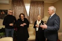 9. Леонид Тибилов поздравил Людмилу Галаванову с 80-летним юбилеем