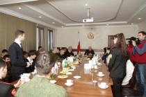 9. Встреча с отличниками боевой и политической подготовки