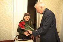 2. Поздравление с Международным женским днем долгожительниц Цхинвала