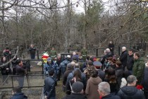9. Церемония возложения цветов к памятнику жертвам Ередской трагедии