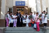 9. Поздравление с Международным женским днем рожениц и персонал Цхинвальского родильного дома
