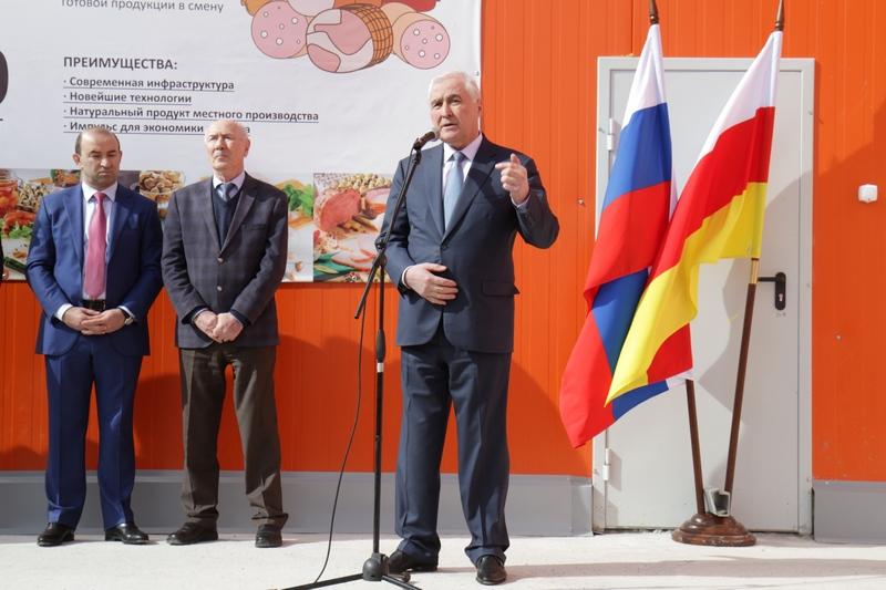 Леонид Тибилов: «Южная Осетия поступательно развивается»
