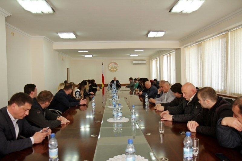 Леонид Тибилов поблагодарил представителей своего предвыборного штаба