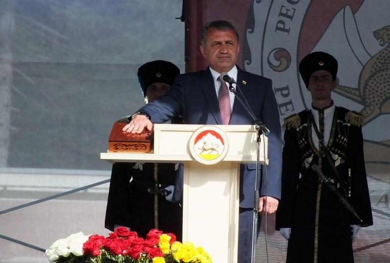 Анатолий Бибилов: «Вместе мы сможем сделать наше государство лучше, а жизнь его граждан – счастливее»