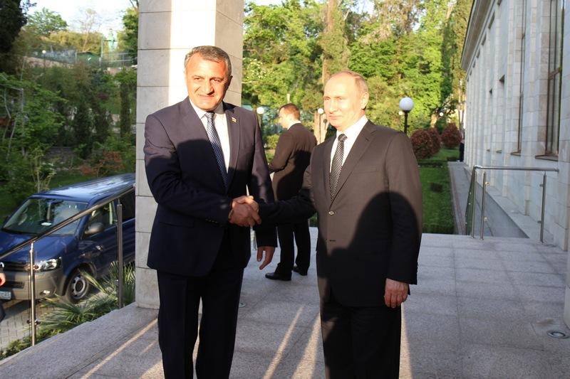 Анатолий Бибилов: «Южная Осетия будет неукоснительно следовать договоренностям с Россией»