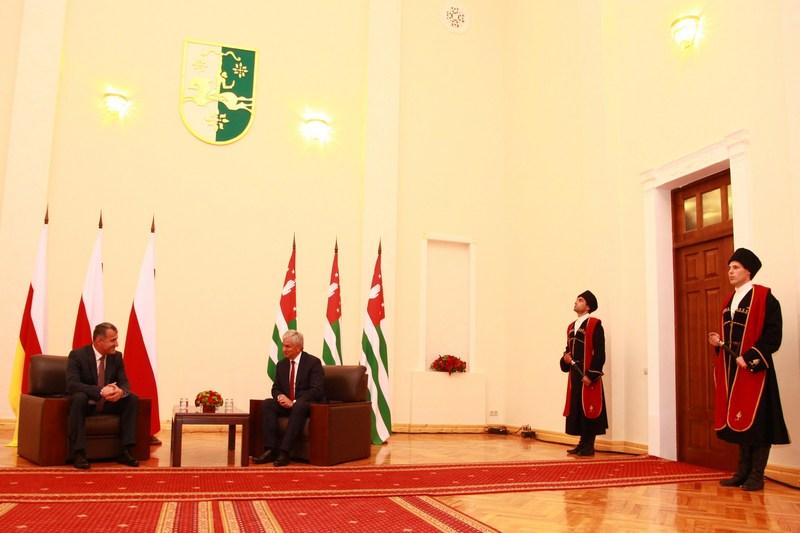 Анатолий Бибилов: «Фронт для сближения народов Абхазии и Южной Осетии огромный»