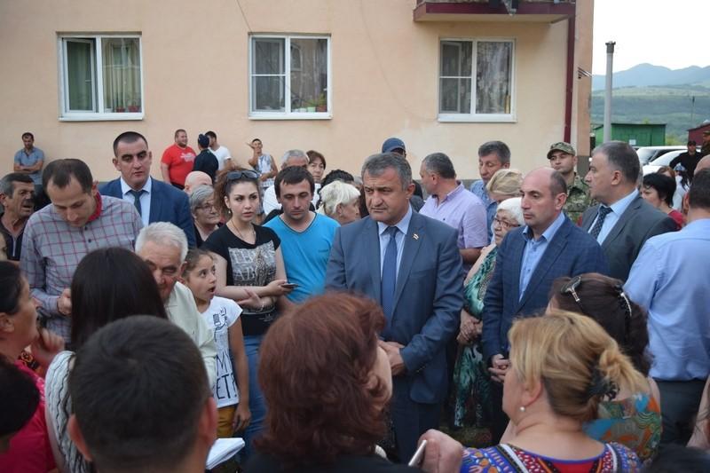 Встреча с жителями столичного микрорайона «Солнечный»