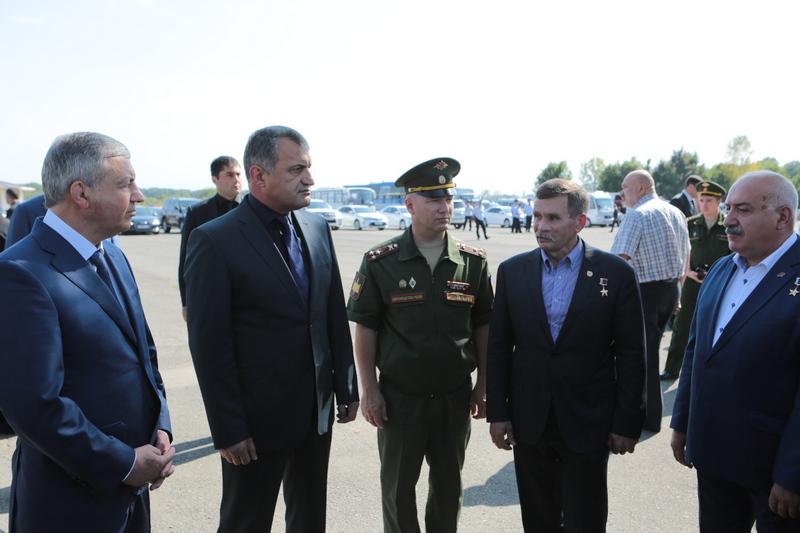 Анатолий Бибилов почтил память жертв Бесланской трагедии