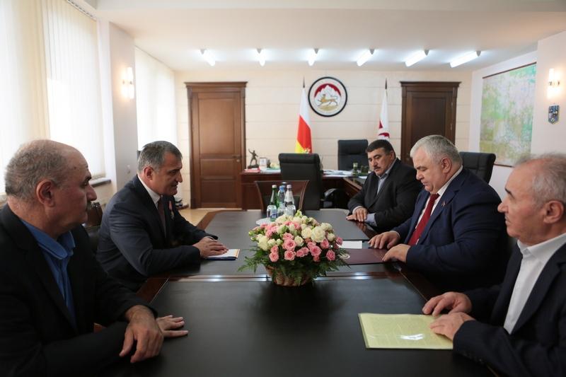 Казбек Тайсаев: «Счастливые глаза детей Южной Осетии – лучшая оценка работы Президента»