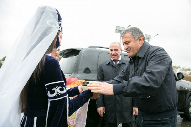 Анатолий Бибилов посетил село Лаба в Карачаево-Черкесии
