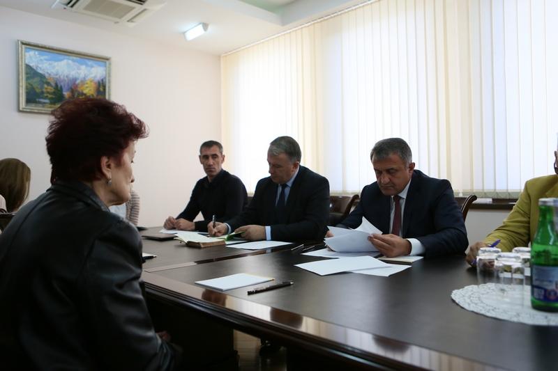 Анатолий Бибилов провел очередной прием граждан