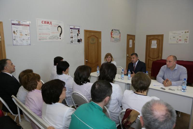 Анатолий Бибилов: «Окончательное решение по вопросу переноса городской и районной поликлиник еще не принято»