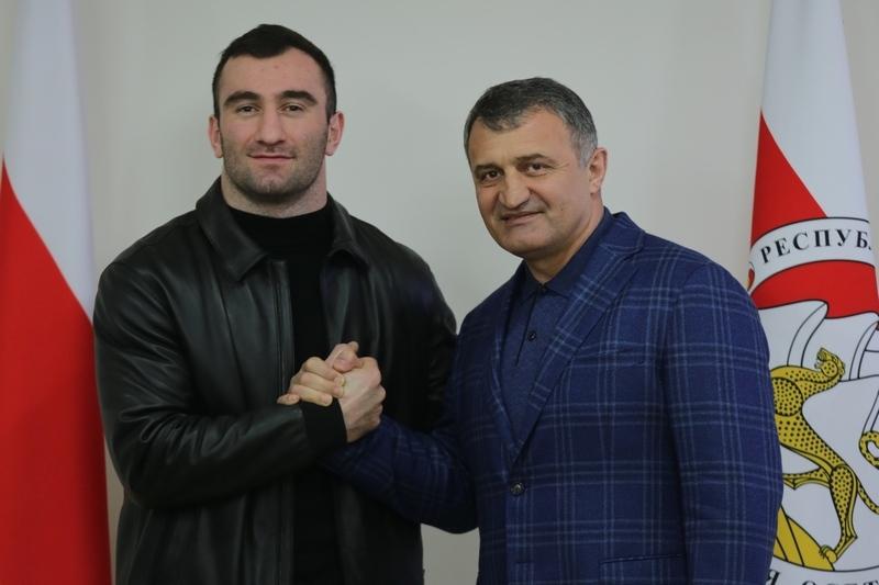 Встреча с чемпионом мира по версии IBF и WBA Муратом Гассиевым