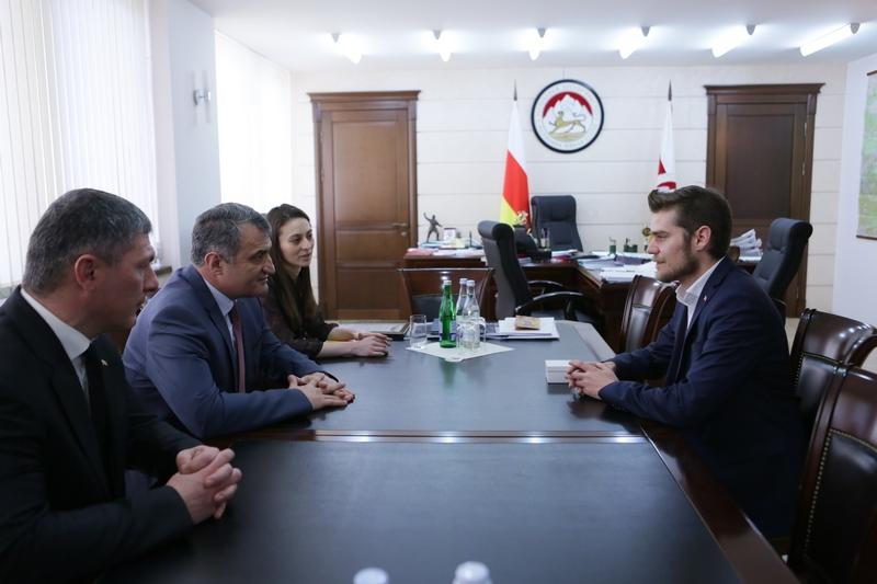 Встреча с генеральным секретарем ConIFA Сашей Дюркопом