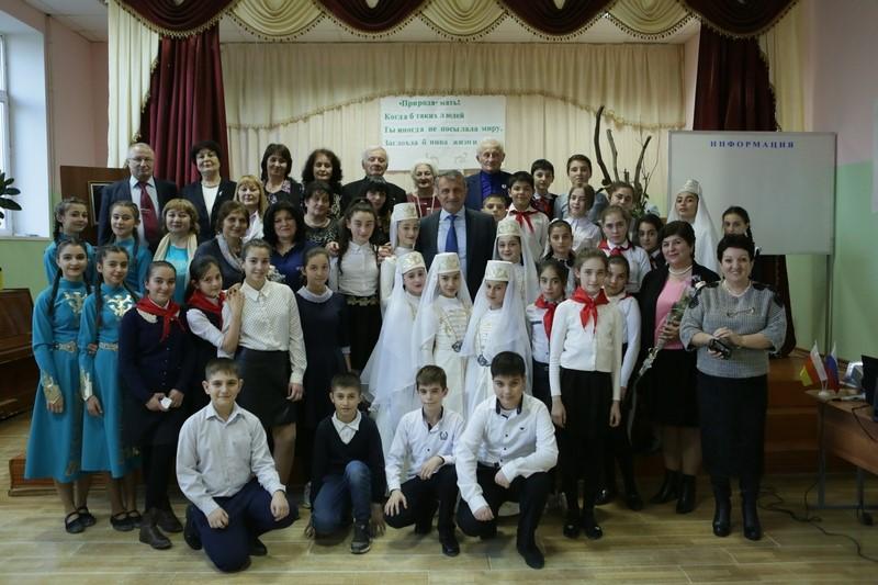 Анатолий Бибилов посетил вечер памяти Народного писателя Осетии Нафи Джусойты