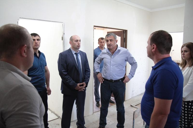 Анатолий Бибилов: «Разрушенное жилье остается одной из самых серьезных проблем»