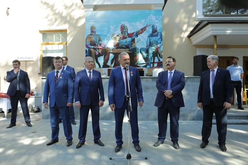 Анатолий Бибилов: «Мы имеем полное право гордиться своим государством»