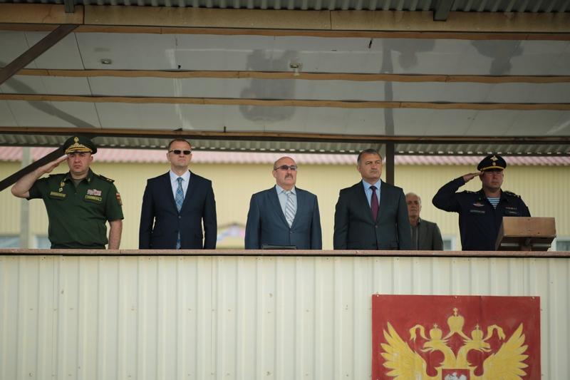 Анатолий Бибилов: «Каждый должен быть горд службой в вооруженных силах Российской Федерации»