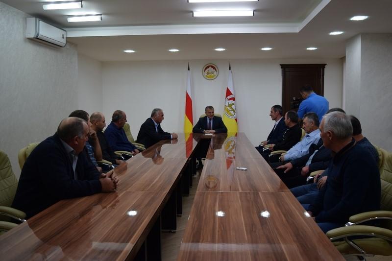Анатолий Бибилов: «Строительство дороги в Квайсу заслуживает искреннего почтения и уважения»