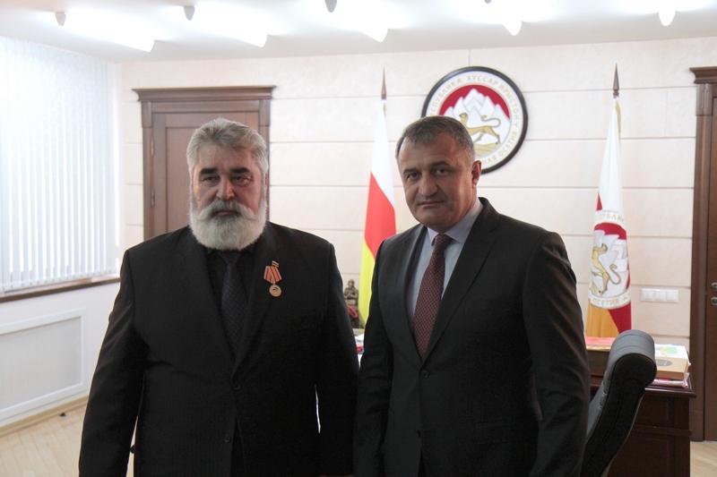Встреча с Почетным Консулом Республики Южная Осетия в Дальневосточном Федеральном округе Ясоном Демеевым