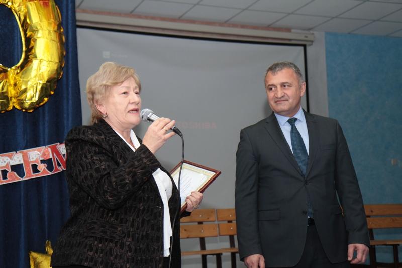 Анатолий Бибилов принял участие в праздновании юбилея школы №6